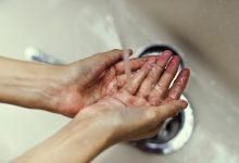 Should we ban hand dryers in public toilets?