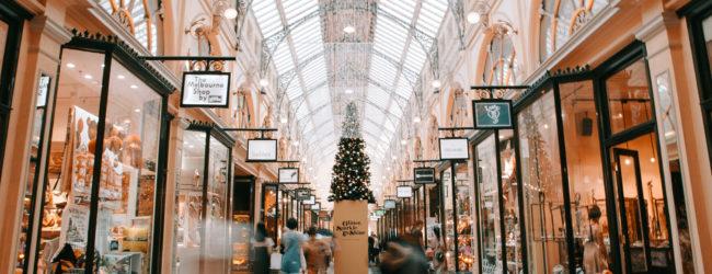 'Tis The Season for Gift Shopping (fa la la la la la la la la)